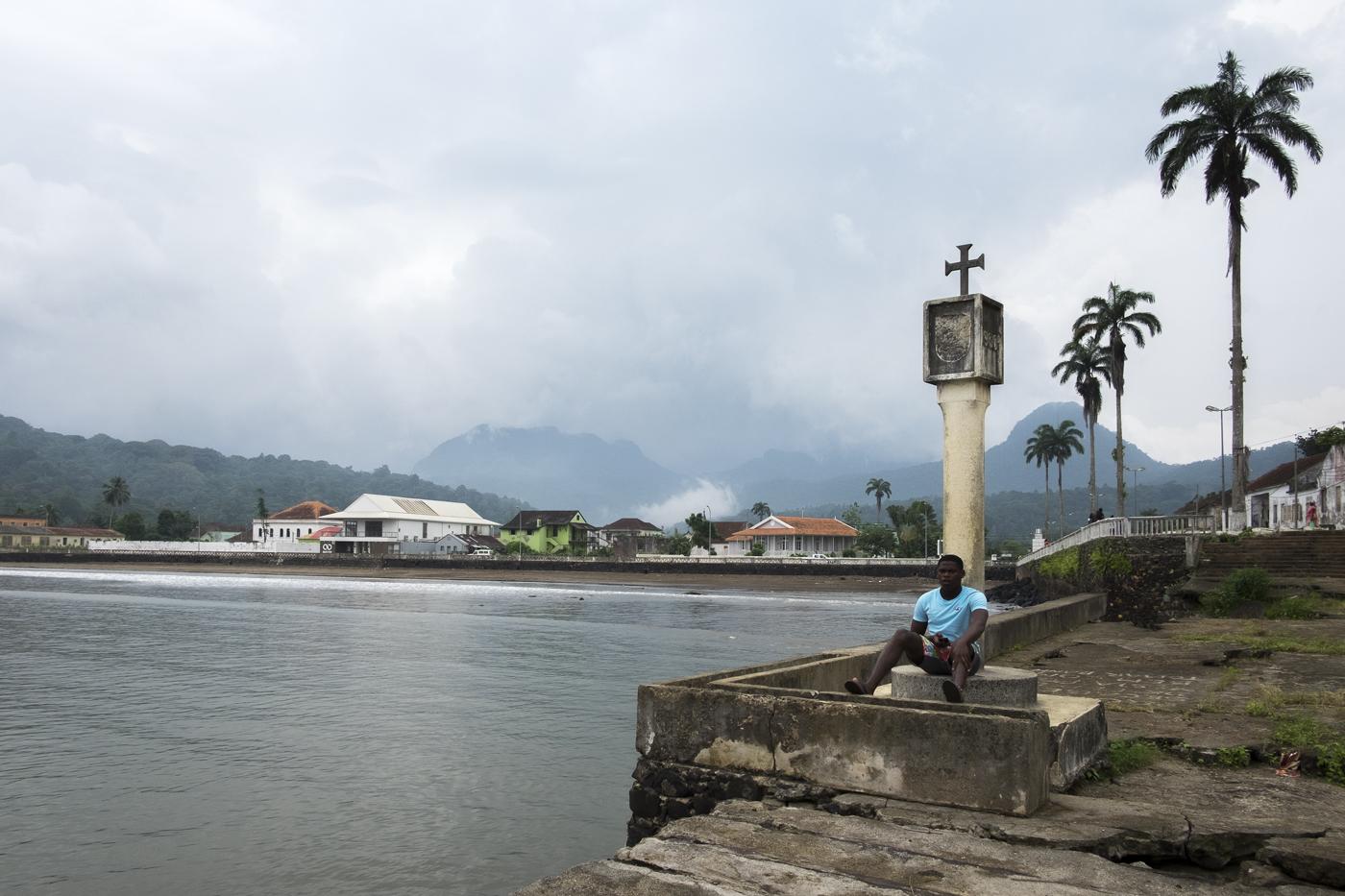 Diário de viagem documental construído em São Tomé e Príncipe em 2016